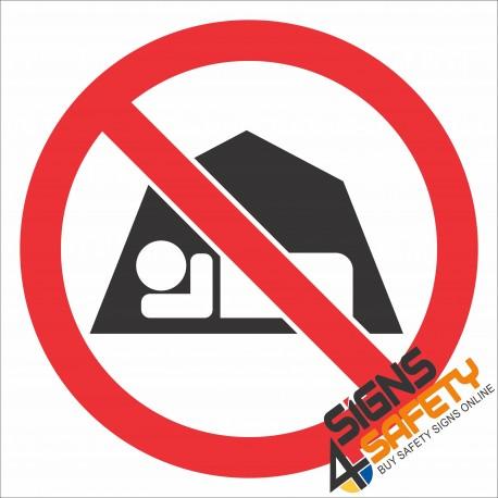 (PR41) No Camping Sign